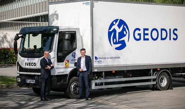 GEODIS kupuje 200 samochodów na gaz ziemny od IVECO